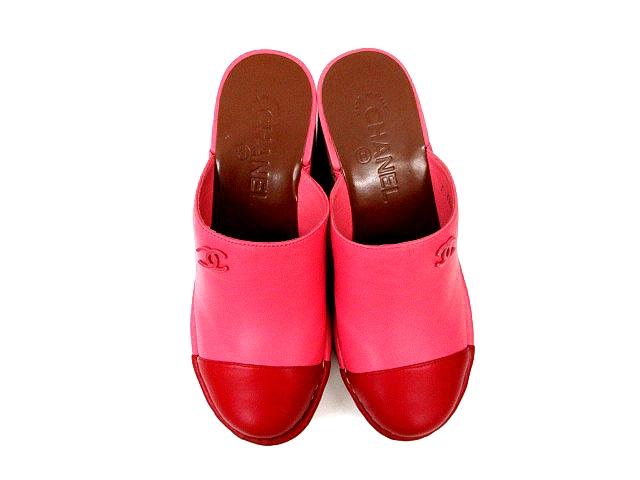 7dca46294744 ... シャネル CHANEL サンダル サボ レザーコルクヒール CC ココマーク ピンク 赤 レッド バイカラー サイズ ...