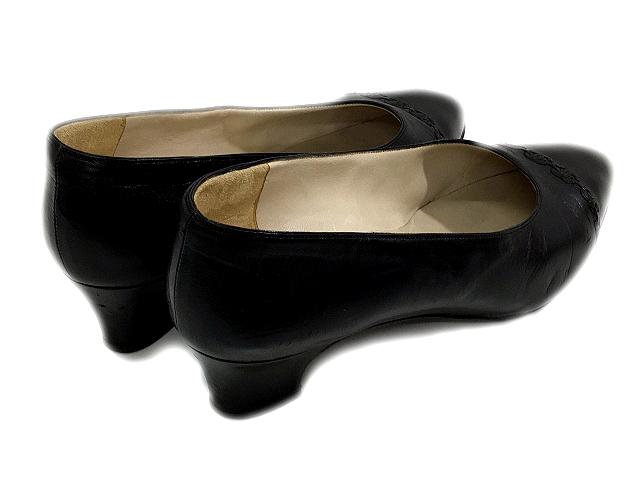bc61c3eac3ab ... シャネル CHANEL パンプス レザー ローヒール アーモンドトゥ 黒 ブラック サイズ 37 ロゴ 靴 くつ シューズ IBS ...