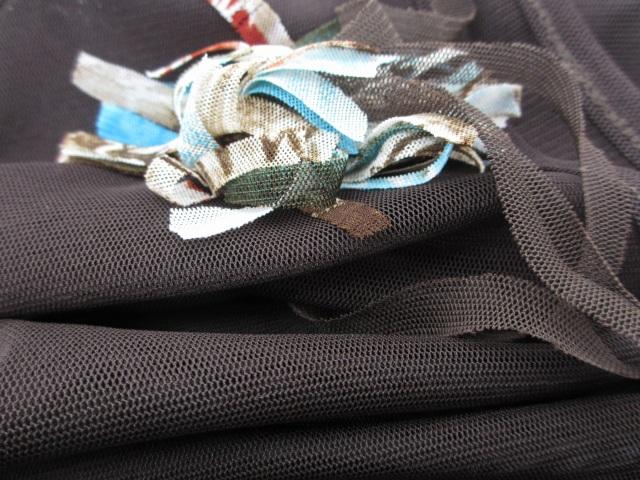 未使用品 mind Luck ツイン F 茶系 ブラウンベースマルチカラー 長袖カットソー+ベスト タグ付き ストレッチ デザインカットソー レディース