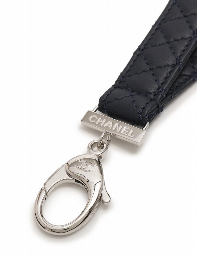 シャネル CHANEL ネックストラップ マトラッセ G17 S ネイビー 紺 小物 レザー 箱付き レディース