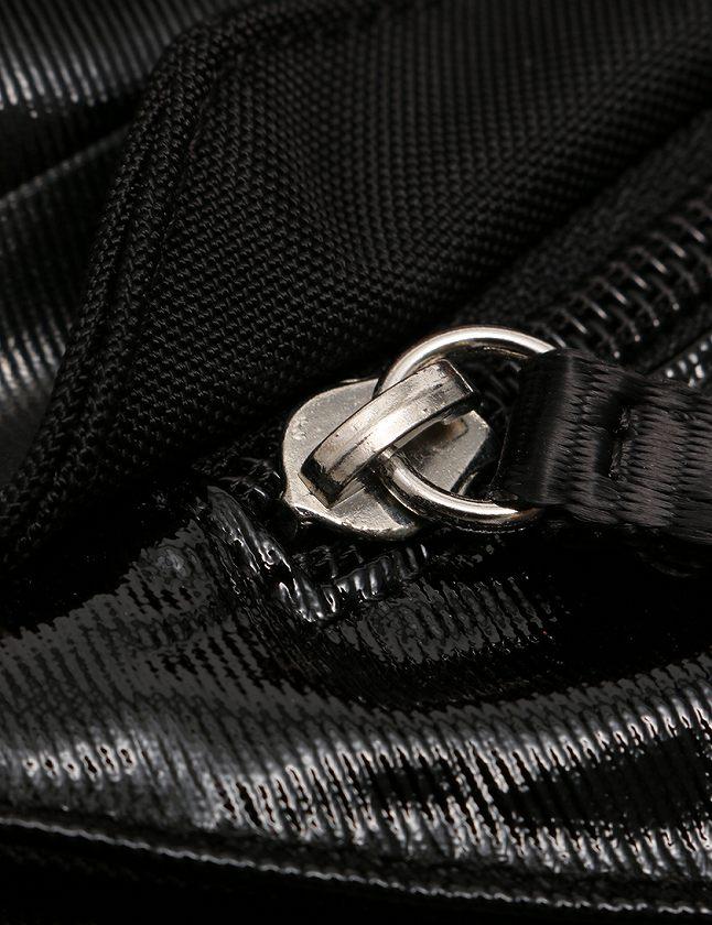 シャネル CHANEL ショルダーバッグ メッセンジャーバッグ 黒 ブラック スポーツライン ココマーク ビニール ナイロン シリアルシール付き レディース