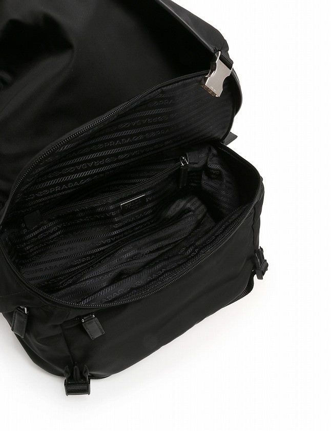 プラダ PRADA メッセンジャーバッグ ショルダーバッグ 黒 ブラック ナイロン VA0991 保存袋 ギャラ付き メンズ レディース