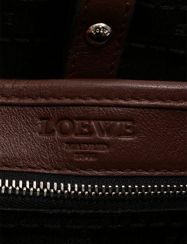 ロエベ LOEWE ショルダーバッグ メッセンジャーバッグ 茶色 ブラウン レザー 鍵 クロシェット付き レディース