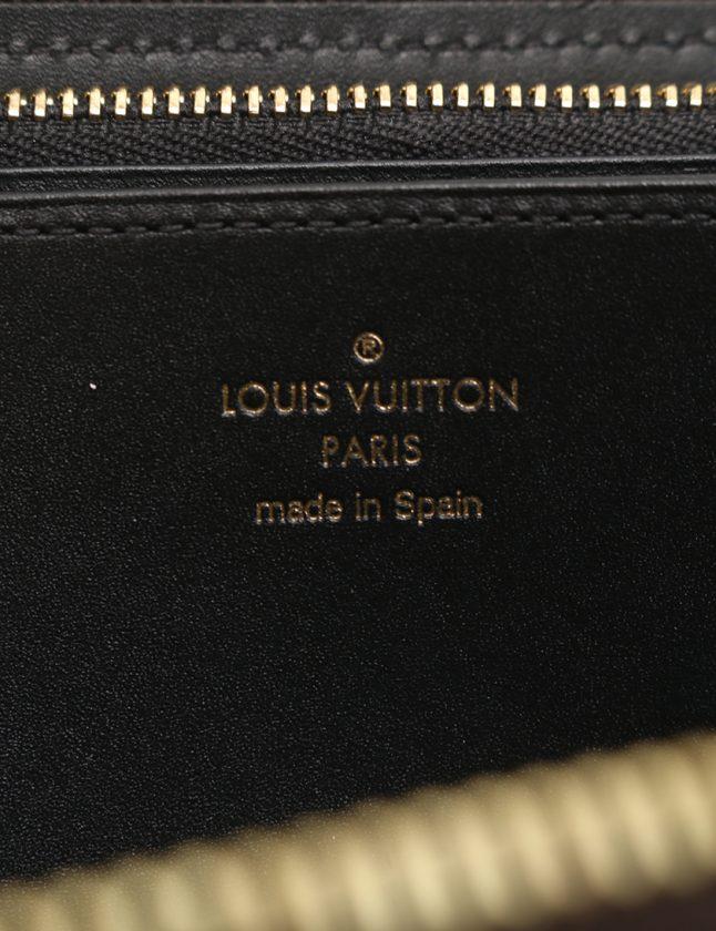 1b05194b3f64 ルイヴィトン LOUIS VUITTON ラウンドファスナー長財布 ジッピーウォレット モノグラムトランクタイム 茶 小物 PVC ...