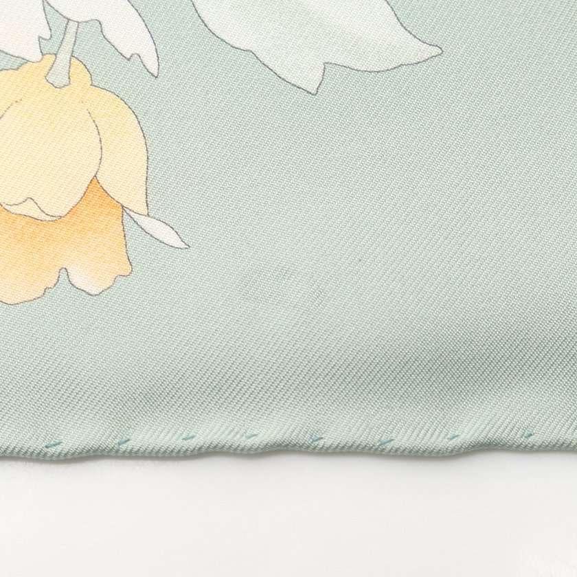 サルヴァトーレフェラガモ Salvatore Ferragamo スカーフ スクエア 青緑 アイボリー 小物 総柄 シルク レディース