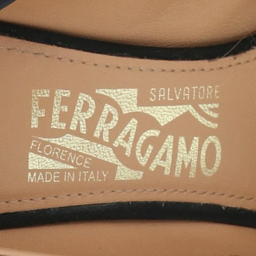 サルヴァトーレフェラガモ Salvatore Ferragamo ポインテッドトゥパンプス ヒール ヴァラ 黒 8.5 シューズ レザー レディース