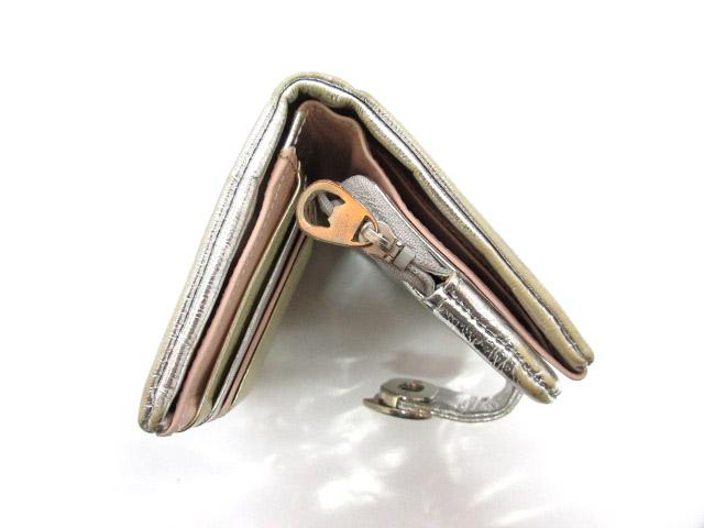022b581bb8cf ... ツモリチサト TSUMORI CHISATO 二つ折り財布 ウォレット 猫 キャット フェイクレザー シルバー ゴールド コーティング 小物  レディース