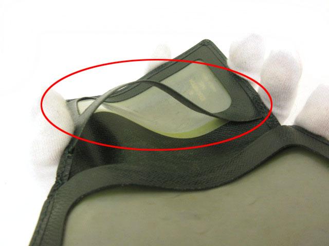 ルイヴィトン LOUIS VUITTON ポルト2カルト ヴェルティカル タイガ パスケース 緑 グリーン M63204 /mm レディース