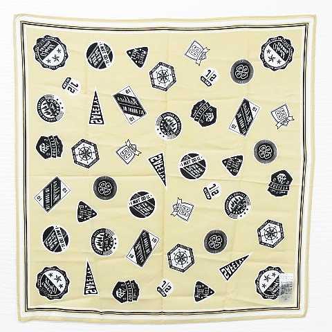 (株)アダストリア スカーフ バンダナ ファッション小物 大判 正方形 総柄 プリント ベージュ 黒 白 レディース